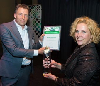 Marieke Havermans met Onora wannaar DPI start-up of the year