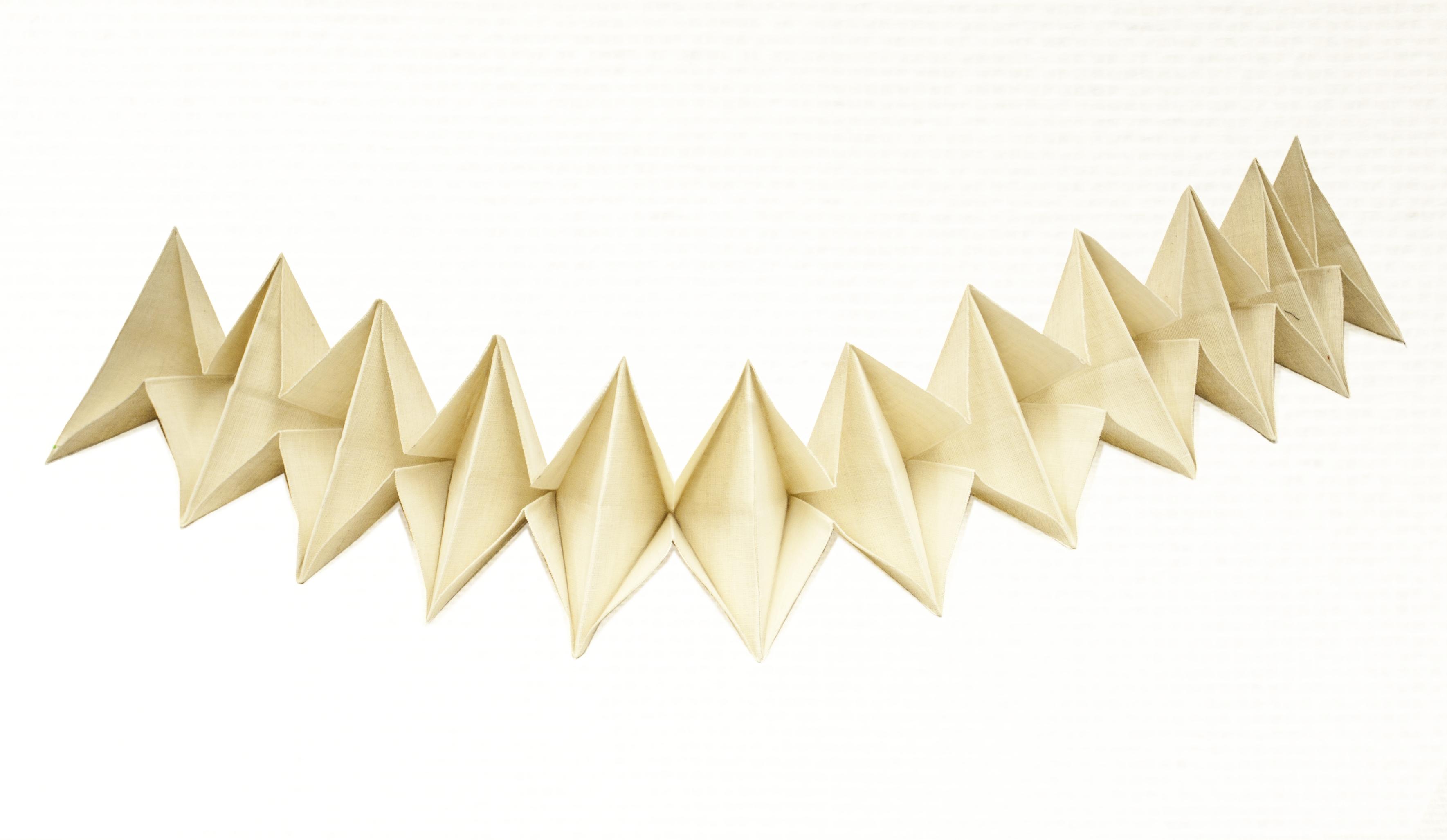 Onora duurzame hennep origami slinger uitvaart